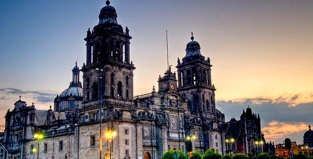 Book Cover: voix d'au-delà tombe Mexiquant